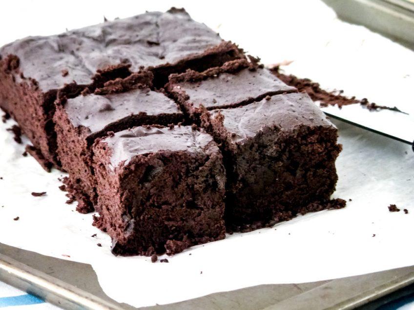 Easy Flourless Fudge Brownies